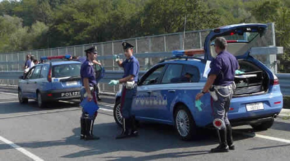 Statale 16bis auto contromano sulla corsia di sorpasso, tragedia sfiorata di un soffio