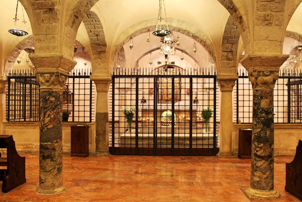 Carabiniere arresta custode della basilica di San Nicola a Bari