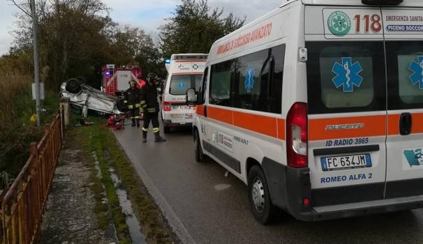 Schianto prima della partita di calcio: sei feriti, quattro sono bambini