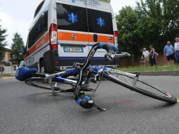 Incidente stradale a Conegliano, ciclista 63enne perde la vita colpito da un'auto