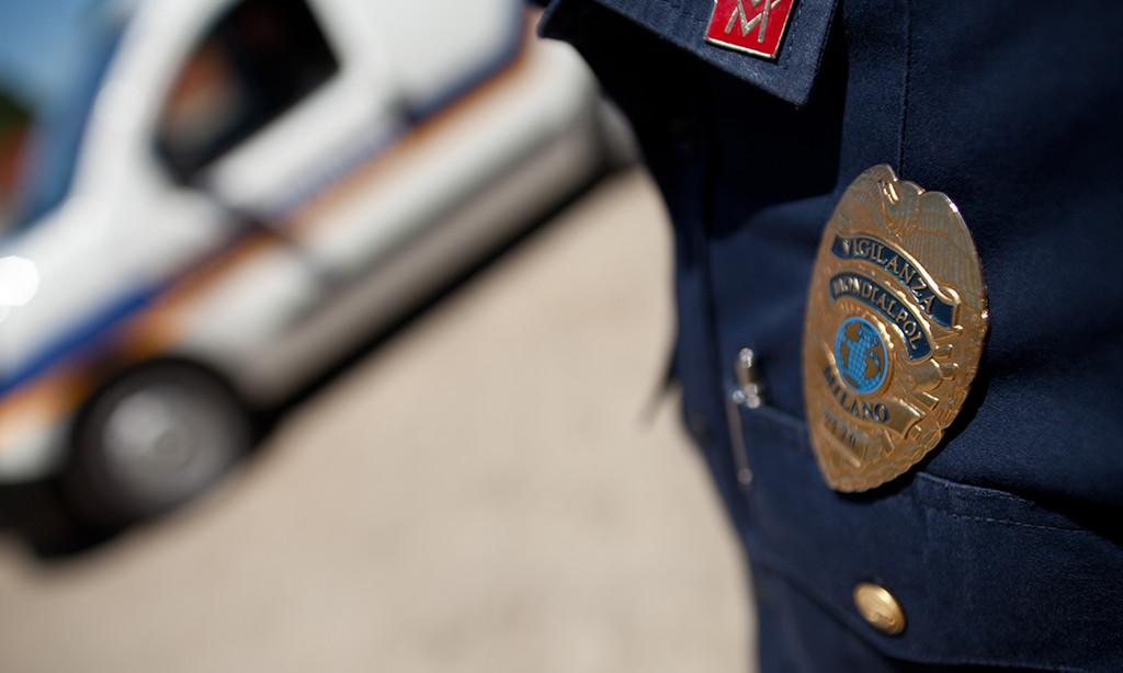 Violenta rapina, furgone usato come ariete contro auto Mondialpol, banditi fuggono con 60 mila euro, gravissima guardia giurata