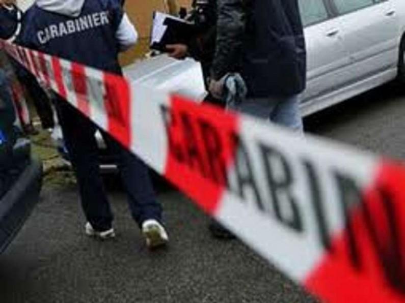 Ancora un suicidio, ragazzo si toglie la vita sparandosi nella sua auto