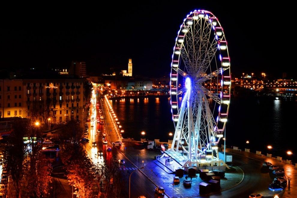 Molti baresi si sono fermati ad ammirarla…la maestosa Diamond wheel alta 55 metri è pronta, dal 6 dicembre sarà attiva