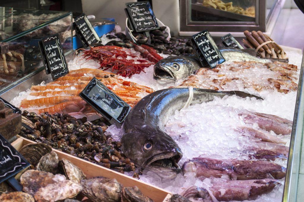 Bari, nota pescheria svaligiata nella notte, il bottino è di oltre 25mila euro