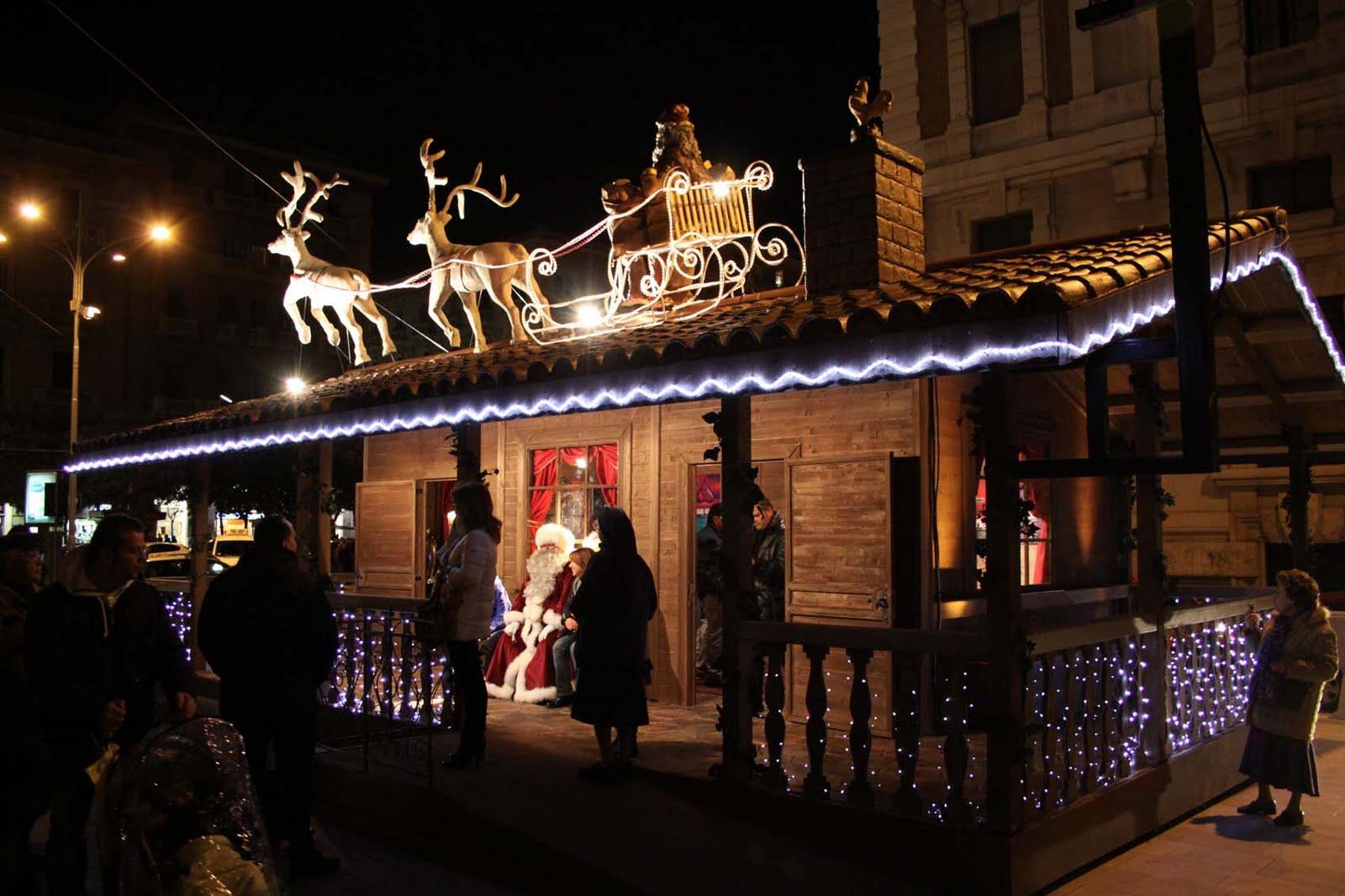 Bari, oggi inaugurazione a Piazza Umberto del Villaggio di Babbo Natale, casette in legno che ospiteranno tanti spettacoli