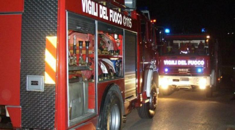 Puglia, bomba carta fatta esplodere la notte di Natale distrugge panificio, paura tra la gente