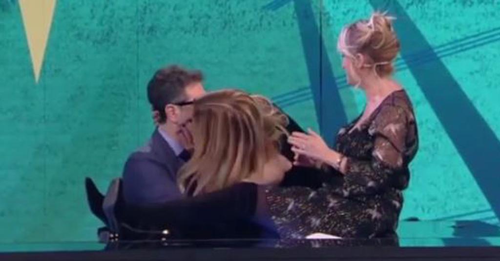 Filippa Lagerbäck si vendica di Daniele Bossari e bacia in diretta Fabio Fazio