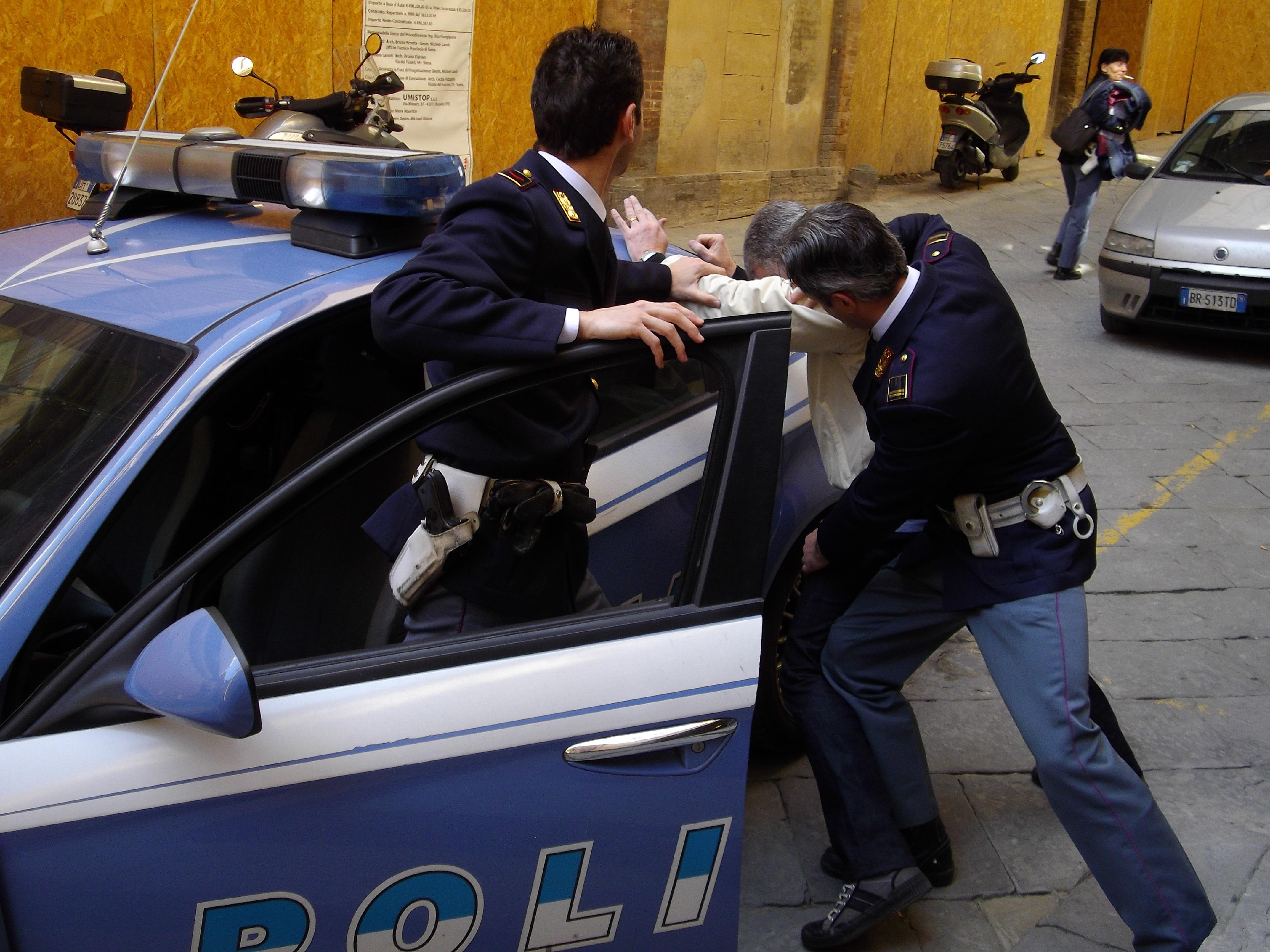 Puglia choc, rumeno ubriaco entra in farmacia vuole medicine senza pagare e picchia il farmacista