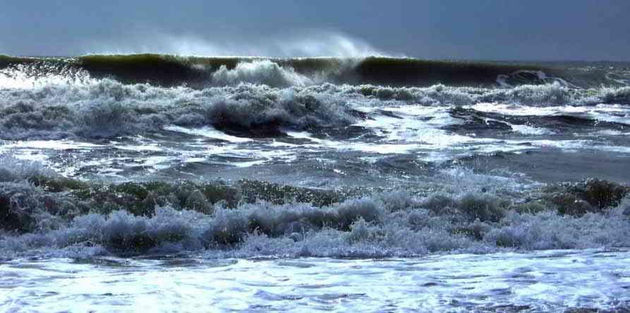 Puglia, allerta meteo protezione civile, vento di burrasca e forti temporali