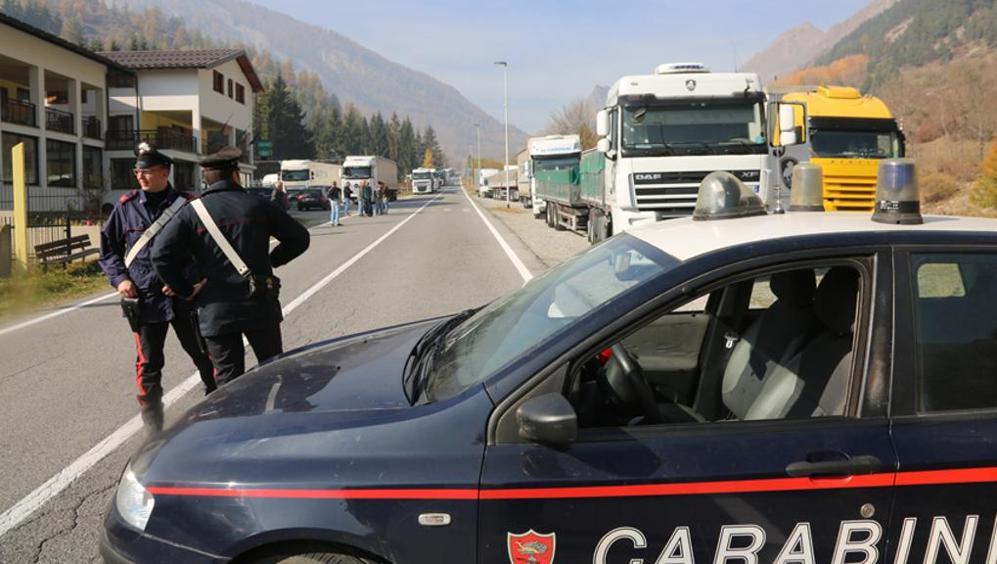 Puglia, 20 minuti di terrore su superstrada trafficata, uomo percorre contromano 15 chilometri