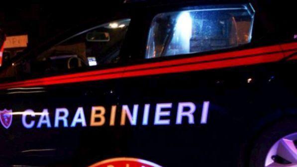 Puglia, paura a cena, due rapinatori fanno irruzione in una villa, sequestrati padre, madre e figlia