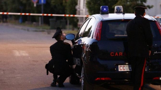 Bari, inseguimento ad alta velocità a Japigia, 29enne forza posto di blocco, i Carabinieri sparano