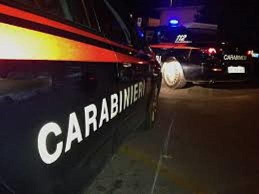 Puglia sanguinosa rapina in farmacia, irruzione di due banditi armati di coltello, feriti farmacista e carabiniere feriti