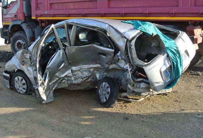 Puglia, incidente stradale mortale, perde la vita una 27enne