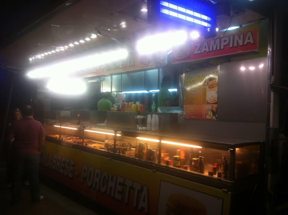 Bari a fuoco frequentata paninoteca ambulante nei pressi di Pane e Pomodoro