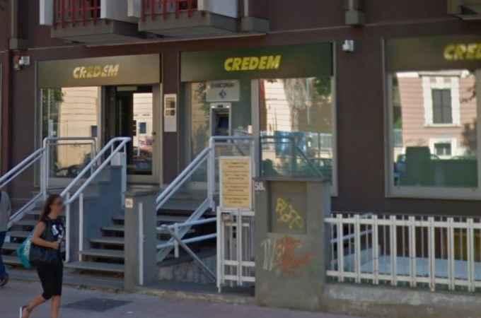 Bari rapina in banca, due clienti hanno un malore