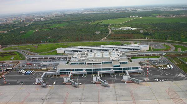 Aeroporti di Bari, nuove rotte per mete esotiche e Grecia