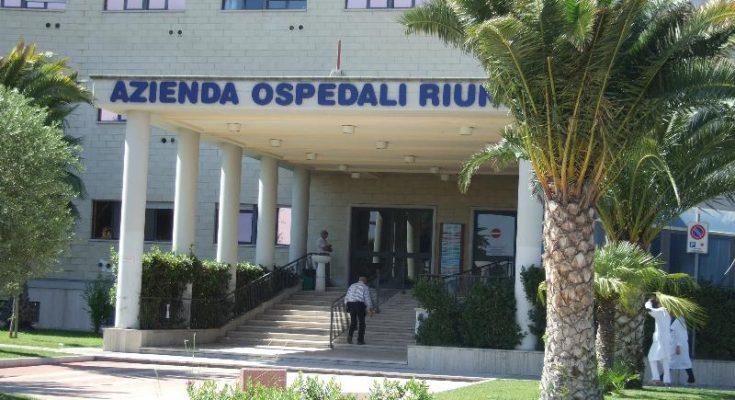 Puglia, si traveste da vigilante e si fa consegnare il danaro dal cup dell'ospedale
