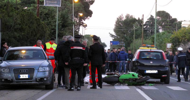 Puglia, terribile schianto moto contro auto, muore un giovane ragazzo di soli 25 anni