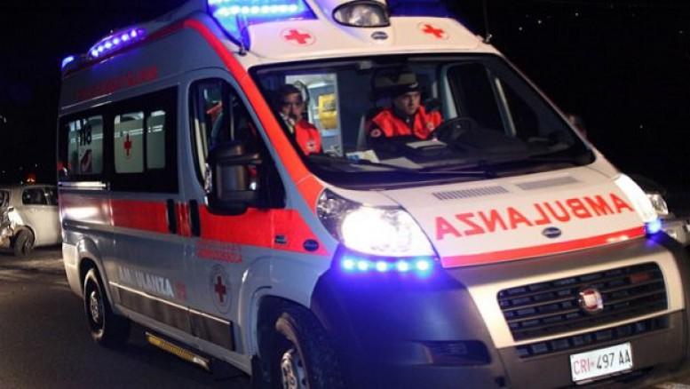 Auto esce fuori strada, muore ragazza di soli 20 anni