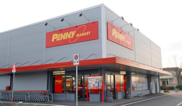 Bari, rapina al supermercato Penny al Libertà, bandito aggredisce cassiere