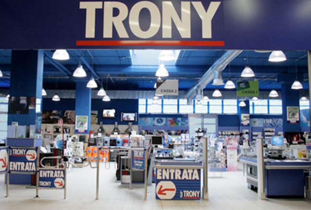 Bari, abbassano le saracinesche i negozi Trony, 26 famiglie costrette a fare i conti con la dura realtà di un'azienda che non esiste più