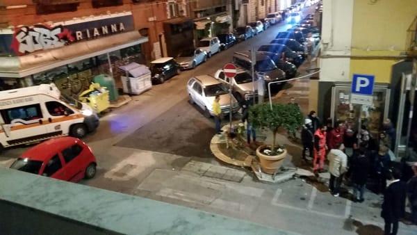 Bari, via Manzoni tentano di scippare una ragazza e la trascinano per metri per l'asfalto, ferita