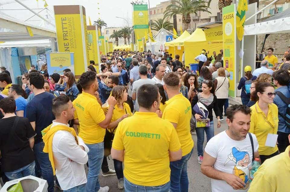 Post polemico del sindaco Decaro, a Bari non c'è mai niente da fare