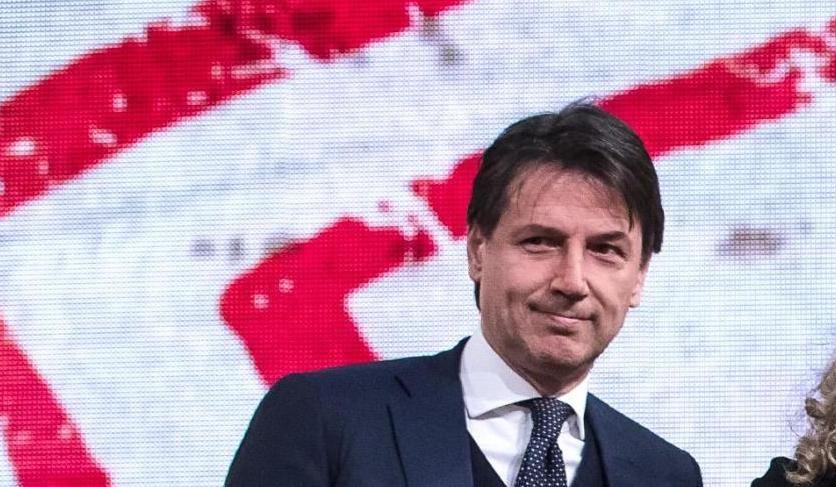 Ultimi sondaggi politici, tre italiani su quattro credono che il governo Conte cadrà, per il 40% a provocare la crisi saranno i grillini, per il 19% Matteo Renzi