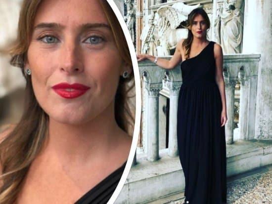 Maria Elena Boschi torna a stregare il web, a Venezia è esplosiva, indossa un abito nero che mette in evidenza le sue curve