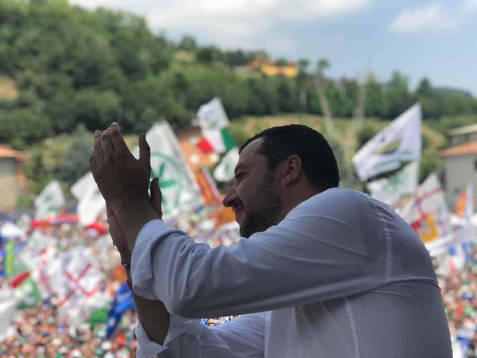 """Pontida, la commovente dedica di Salvini a Buonanno """" Sono convinto che lassù ci sia qualcuno che ci sta aiutando e che ci aiuterà ancora a lungo"""""""