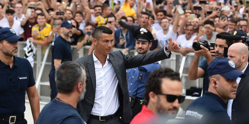 Juventus, diretta streaming live presentazione Cristiano Ronaldo, tifosi bianconeri impazziti di gioia