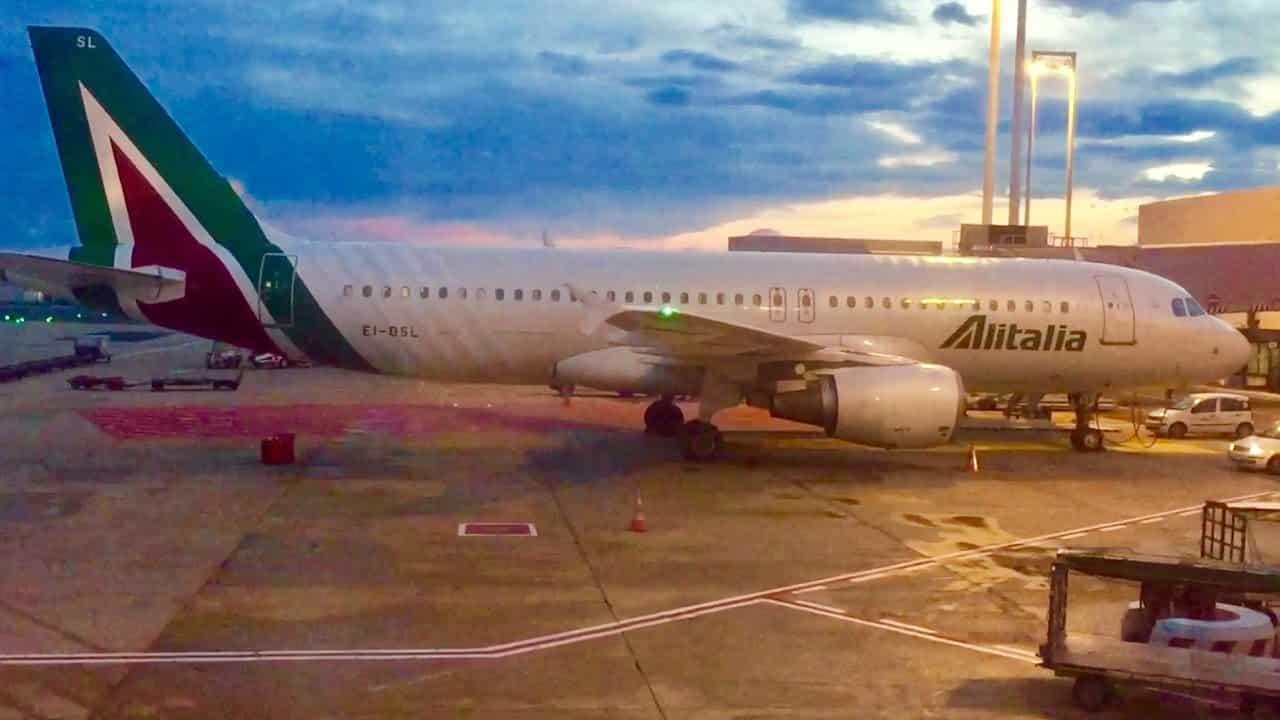 Volo tragico Alitalia Beirut – Roma, muore bimbo di 2 anni per arresto cardiaco, atterraggio d'emergenza all'aeroporto di Bari