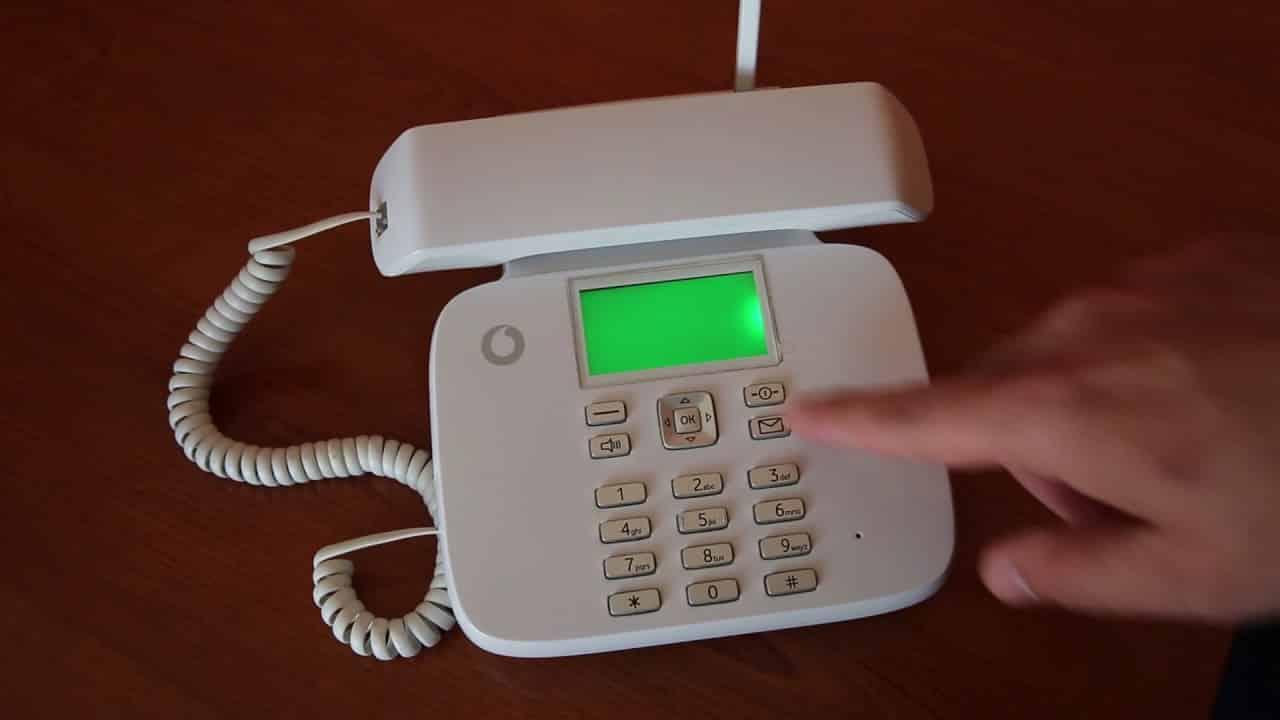 Rinunciare o meno al telefono fisso? Pro e contro