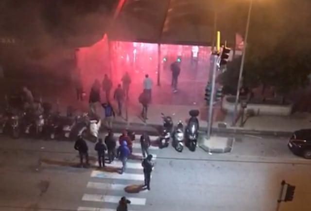 Violenti scontri in Sicilia tra tifosi del Bari e del Messina prima di imbarcasi sul traghetto, ci sono feriti