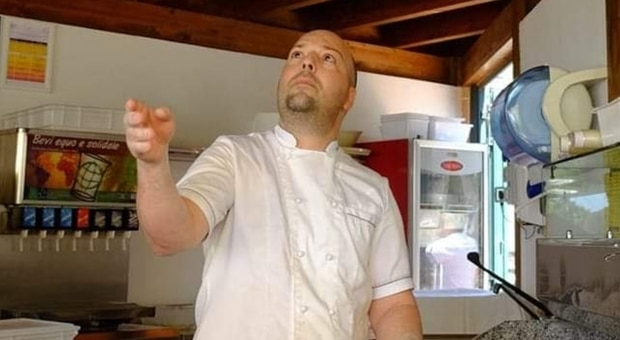 Destino beffardo, famoso giovane chef muore sulla stessa strada su cui rimase due anni prima gravemente ferito