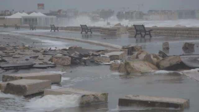 Puglia, allerta meteo arancione in alcune zone, forti temporali e venti da burrasca forte