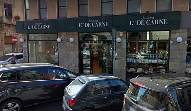 Profonda crisi del commercio a Bari dopo il bar Saicaf chiude per sempre la storica salumeria De Carne