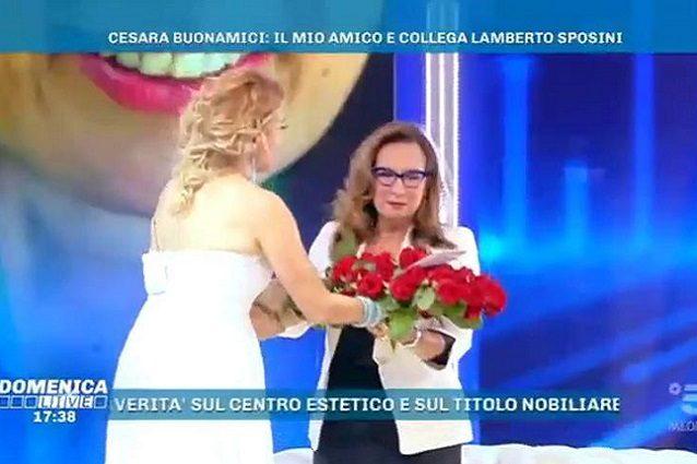 """Domenica Live, Cesara Buonamici in lacrime ricordando Lamberto Sposini: """"Sei nei nostri cuori, non c'è stato mai nessuno come te"""""""