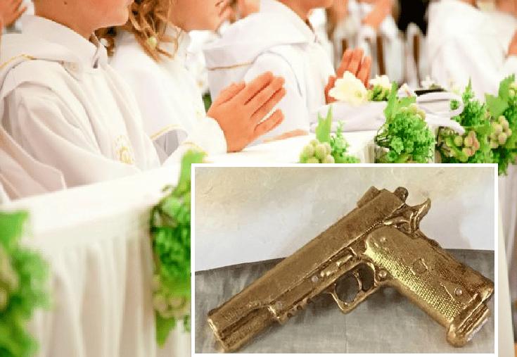 Napoli choc, la bomboniera per battesimi e comunioni che spopola sui social è una pistola dorata