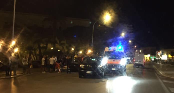 Foggia, violentissimo impatto tra Mercedes e Fiat 500L, gravissimo il conducente dell'auto tedesca, l'altro fugge senza prestare soccorso