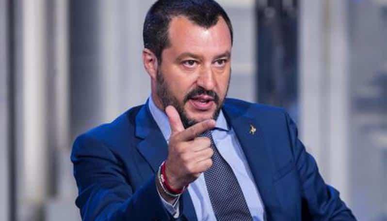Salvini, Alitalia non va svenduta a una compagnia straniera, il turismo per l'Italia è come il petrolio per l'Arabia Saudita