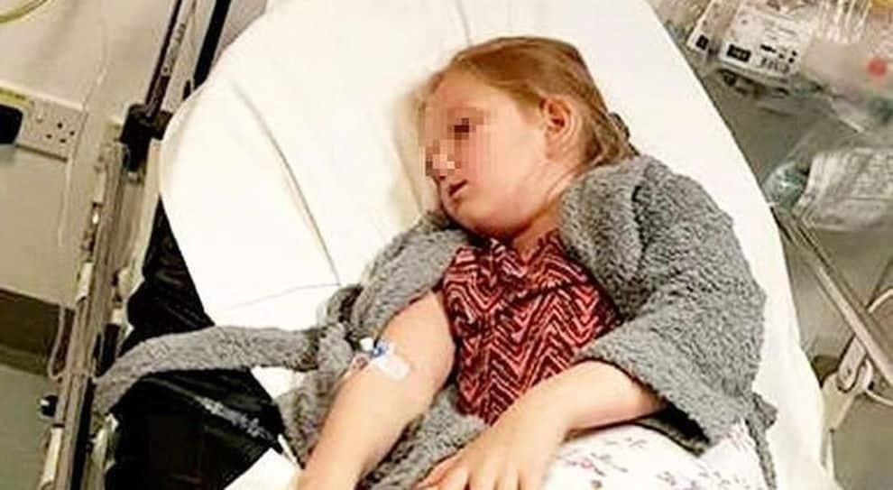 Stanca di essere vittima di bulli, bimba di 10 anni tenta il suicidio il giorno prima del suo compleanno