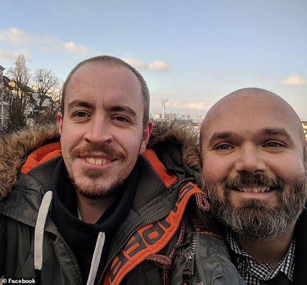 Si sottopone a chemioterapia, una volta finita per festeggiare va in vacanza con il compagno, 38enne muore durante il soggiorno