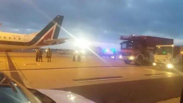 Muore durante un volo partito da Roma, 47enne assistito da quattro medici che non sono riusciti a salvarlo
