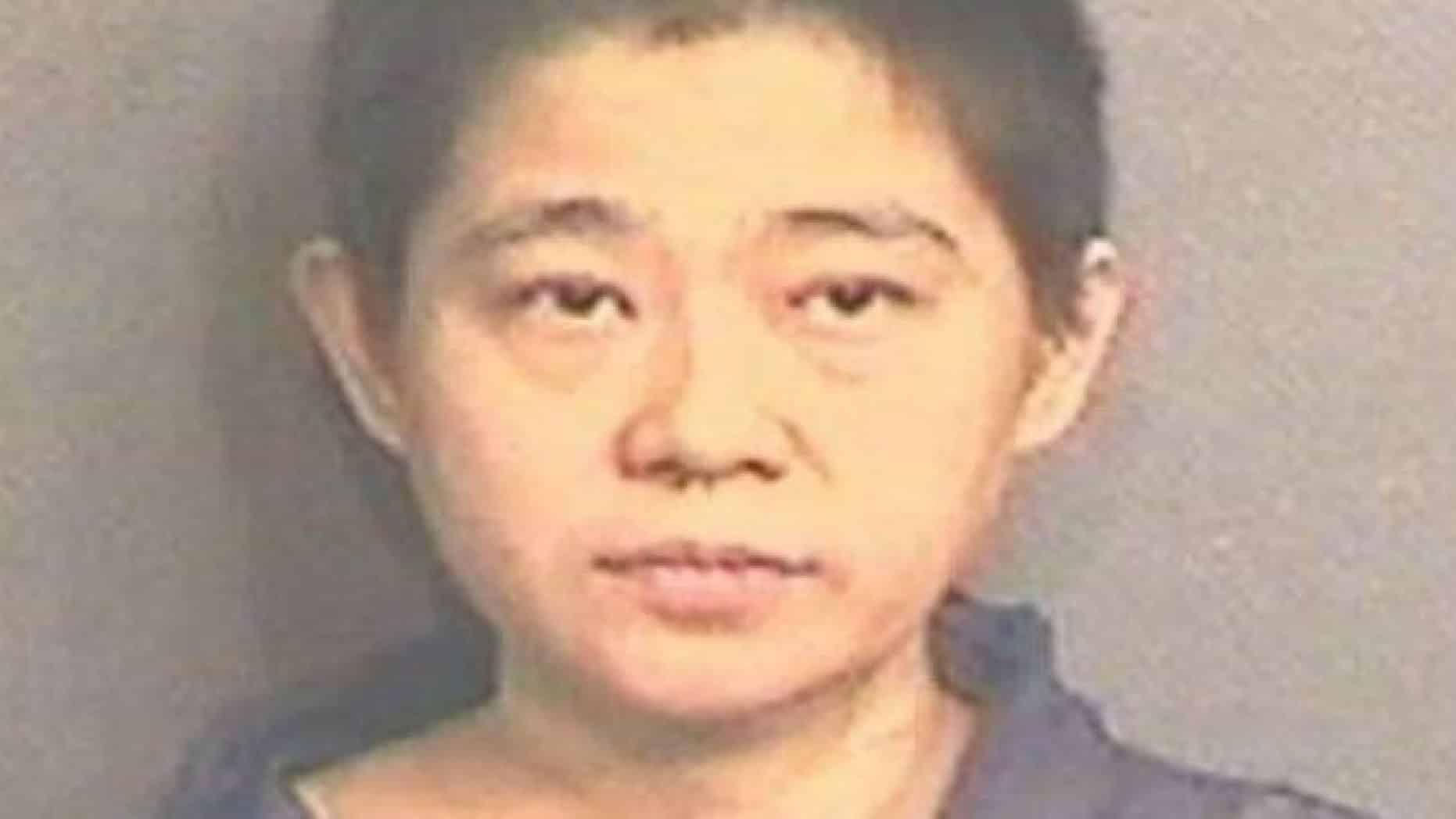 Mamma depressa uccide il figlio di 5 anni decapitandolo, il corpicino del piccolo gettato nel bidone della spazzatura