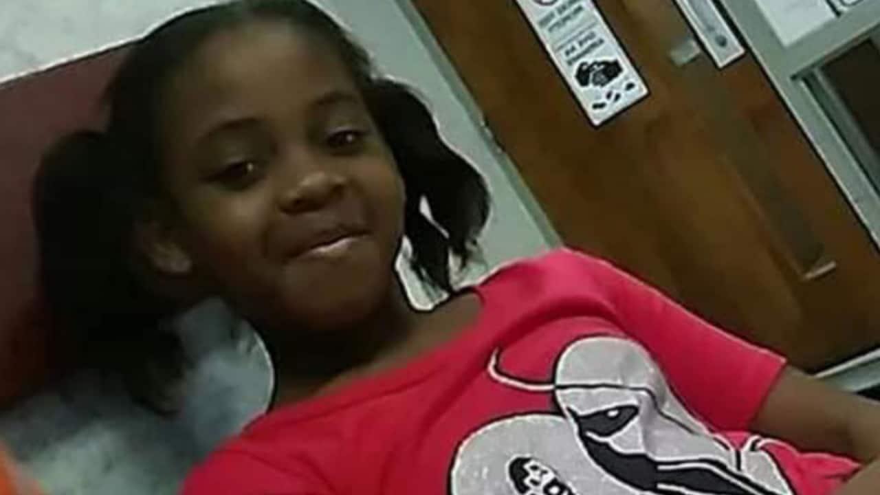 Bimba di 9 anni si suicida impiccandosi a casa della nonna, a scuola era vittima di bullismo
