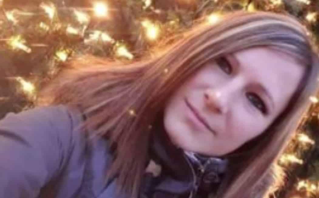 Puglia, auto si ribalta più volte, muore Veronica Orlando, giovane mamma di 31 anni, i soccorritori alla disperata ricerca del figlioletto