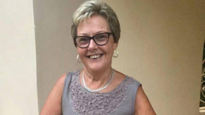 Lascia il marito dopo 50 anni di matrimonio per un vecchio amico ritrovato su Facebook, lui la uccide a coltellate