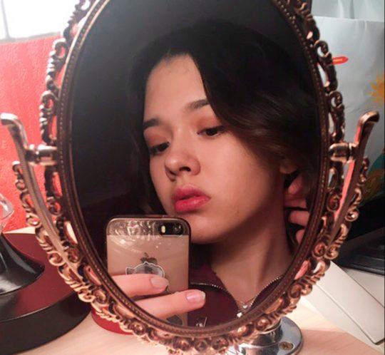 15enne muore per un selfie perfetto sui binari, perde la vita investita da un treno